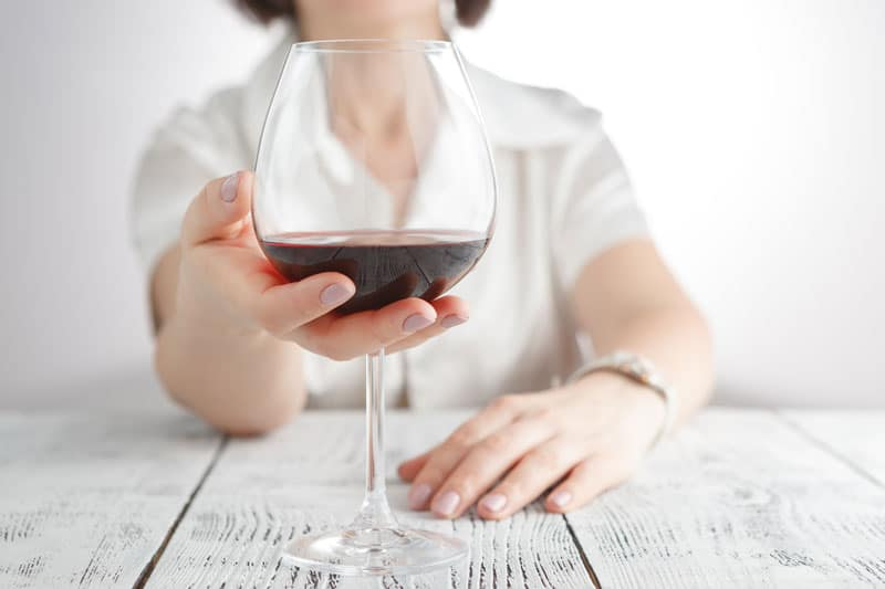 Easl-glass-wine-health-alchohol